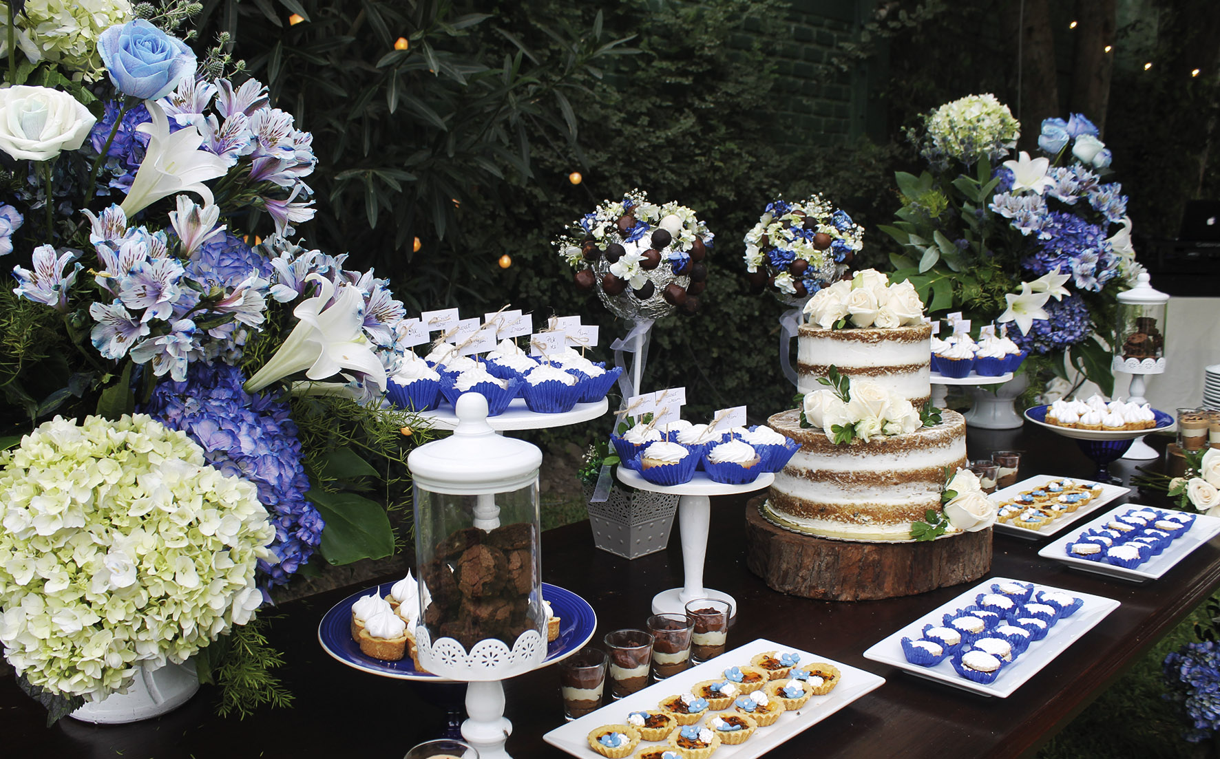 dessert table say i do in peru