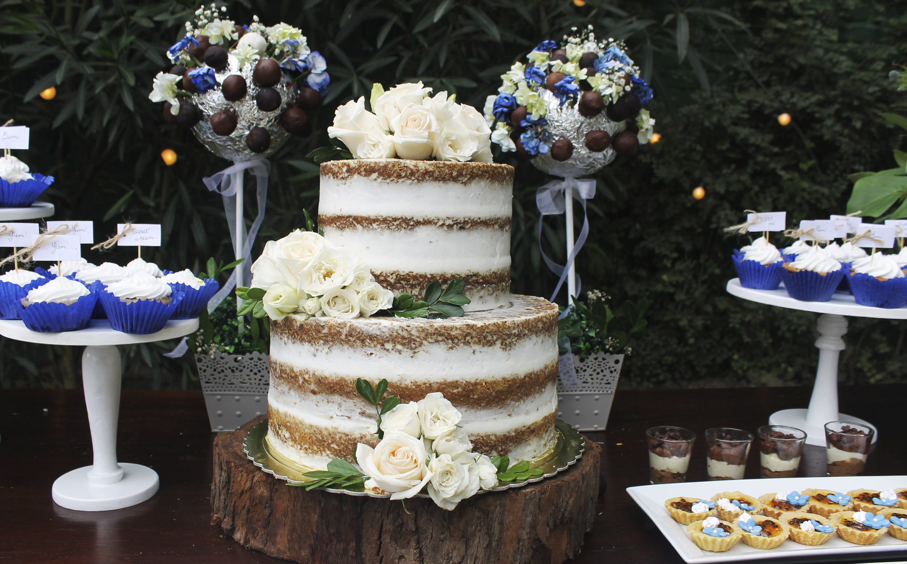 dessert table wedding cake